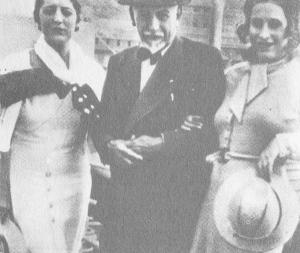 Pirandello con Marta Abba (venuta a salutarlo) e Paola Masino a Genova all'imbarco per Buenos Aires sulla Duilio: 17 Agosto 1933
